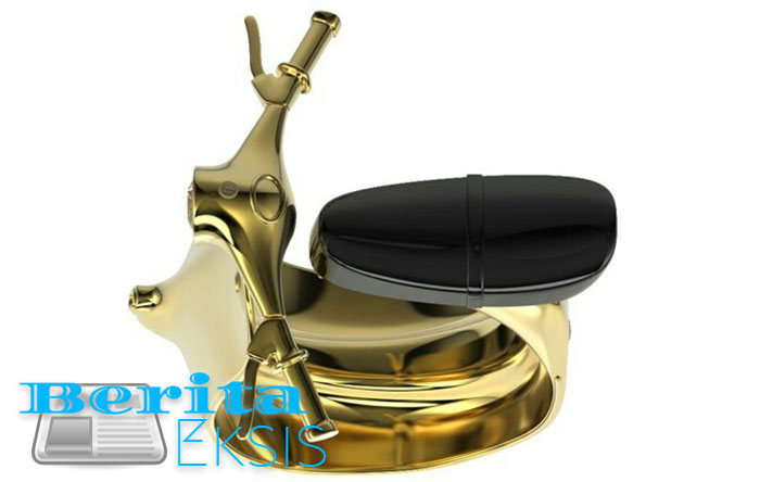 cincin emas bentuk motor vespa